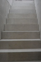 escalier-monolithe-propre-decoffrage-thumb